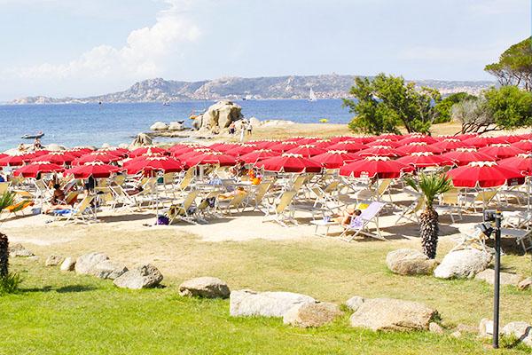 Spiaggia privata del Club Esse Posada e Capo d'Orso